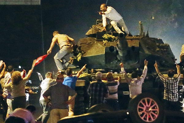 Turkey regains control after deadly coup bid; Prez Erdogan blames US-based preacher for plot; over 250 killed