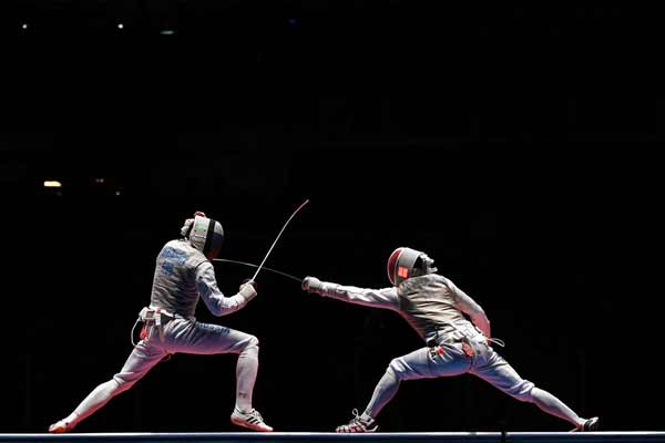 Rio 2016: Resilient Russians overturn French to clinch men's team foil gold