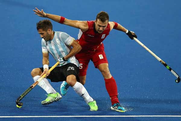 Rio 2016: Argentina hold off Belgium to win men's hockey gold