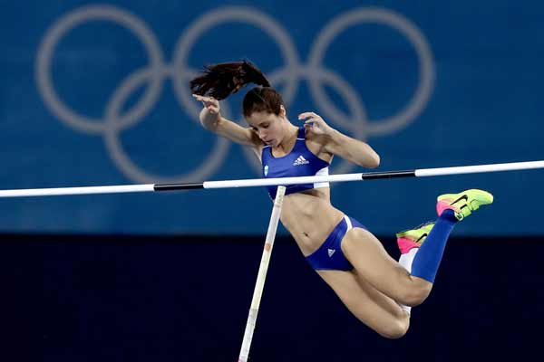 Rio 2016: Stefanidi leaps to pole vault gold