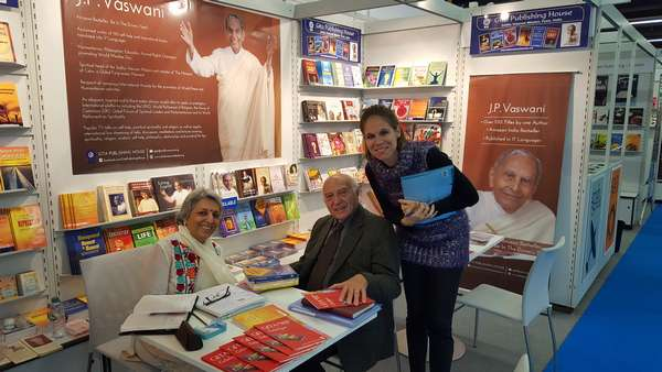 Rev. Dada J.P. Vaswani's books enthrall visitors at Frankfurt Book Fair 2016