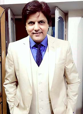 Actor Neeraj Bharadwaj Duped of Rs. 50,000 by His Driver