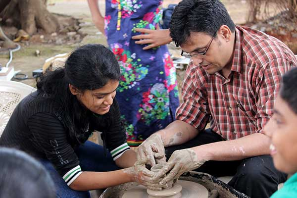 TYREMARK HOLIDAYS ORGANIZES AN OUTDOOR POTTERY TOUR FOR KIDS AT INDAPUR