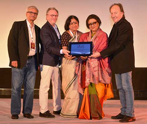 Aparna Sen, Seema Deo and Zakir Hussain honored at 15th PIFF