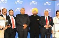 Minister P.P Choudhary gives away One Globe Awards 2017 for contributions in building a knowledge economy in India