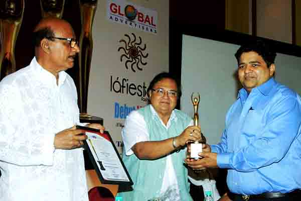 Sanjeev Gupta honoured with 80th Golden Achiever Award by Avtar Gill and Rakesh Bedi