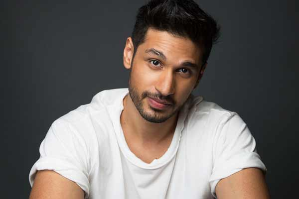 Pop star Arjun Kanungo is in New York shooting for his next song video and we can't wait!
