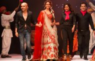 VLCC unveils the 'Couture Bridal Look of 2017' at VLCC Makeup ''Simply Awesome'' mega event