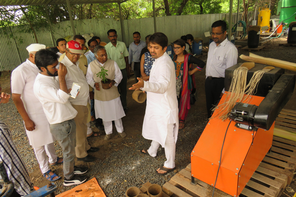 IIT students visit   Waste Management Park, Yawat at Suhana Farms near Pune