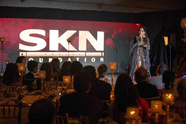 Indian Actress Juhi Chawla, Emcee Mini Mathur & Designer Joy Mitra Sparkle & Shine at SKN's Hope Gala