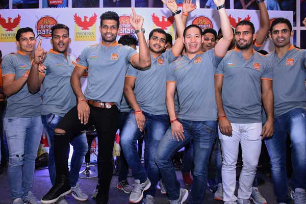 Puneri Paltan at Phoenix Marketcity Pune