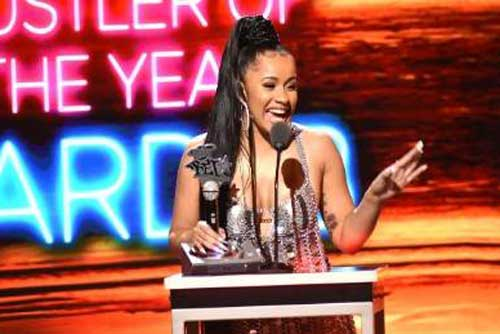 CARDI B OWNED THE 2017 BET HIP HOP AWARDS