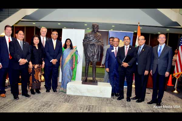 Gandhi Statue unveiling at World Headquarters of Lions International in Chicago – Deepak Kant Vyas Foundation and Consulate of India