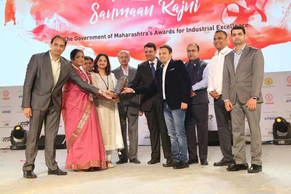 Infosys Pune honored with the 'Mahaudyogratna Sanmaan Rajni' award