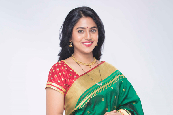ACTRESS MRUNMAYEE DESHPANDE NEW FACE OF MARATHIMATRIONY IN TV AD