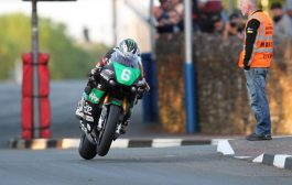 DUNLOP ON THE PACE IN BENNETTS LIGHTWEIGHT TT CLASS WHILE HARRISON TOPS THE MONSTER ENERGY SUPERSPORT BOARD