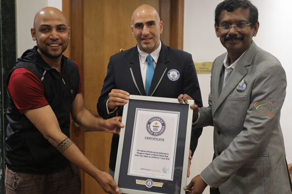 Indian Chefs create a Guinness World Record at Mount Everest with #ProjectTriyagyoni