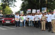 Crowne Plaza Pune City Centre Employees Conduct Traffic Awareness Drive As CSR Initiative