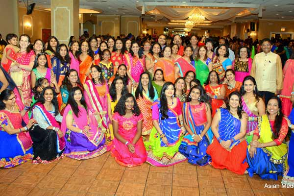 Thousands Participate In AAA Entertainment Bollywood Dandiya & Fashion Bazar