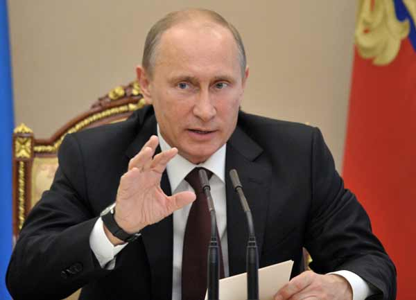 Putin calls for measures to strengthen national currency ruble