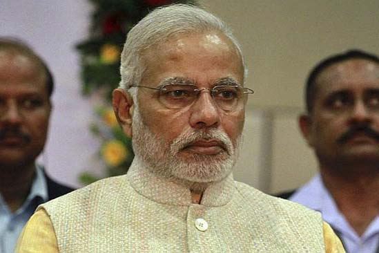 Modi vows to meet farmer's concerns; Hints at changes in Land Bill