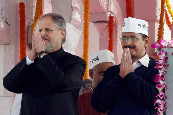 CM Kejriwal rejects centre's notification; slams for backing Lt Governor Jung