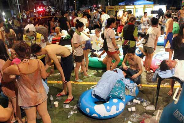 Fire hits Taiwan water park party; Nearly 500 injured