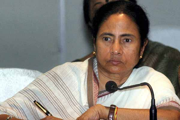 Mamata orders probe into assault on journalists during Bengal poll
