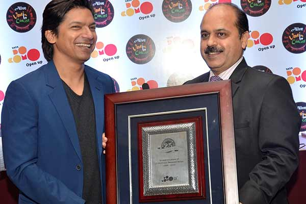 Tata Docomo celebrates its Youth & Music Connect with Alive India in  Concert