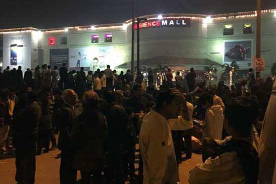 Why police, commandos stormed Delhi malls, shopping complexes last night