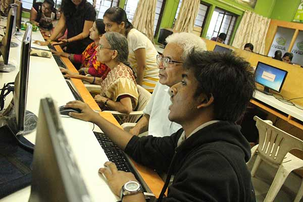 Atmabodh – free computer literacy programme for senior citizens being held by VIT from January 15th to 31st