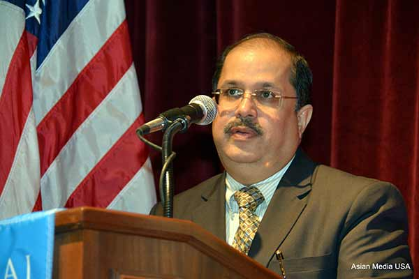 Dr. Ausaf Sayeed, India's Consul General applauded India's economic paradigm shift at University of Chicago's Diplomatic Encounters Series