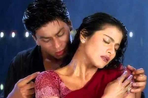 SRK looking forward to 'mature love story' with Kajol