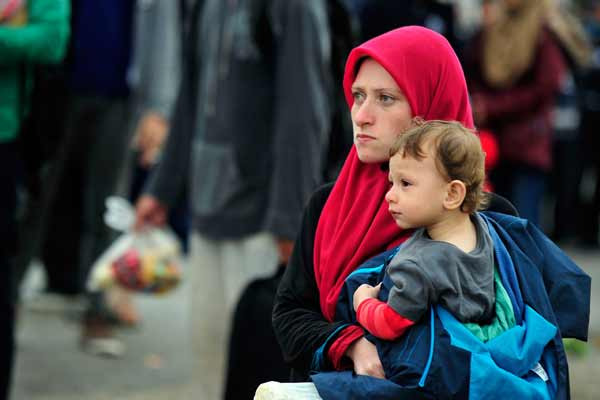 Ban urges countries along Balkan route into Western Europe to keep borders open