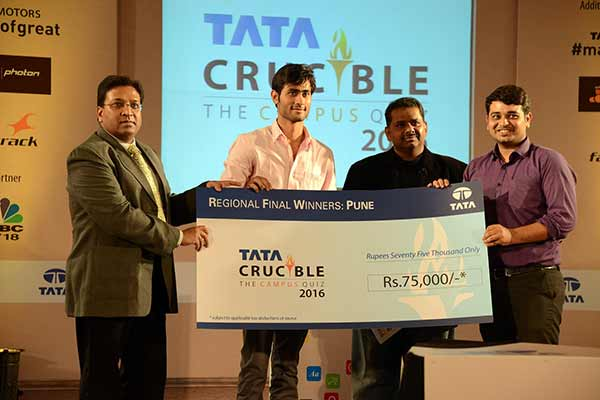 Dhruv Puri and Abhishek Pandey from Symbiosis Institute of International Business (SIIB) win Pune round of Tata Crucible Campus Quiz 2016