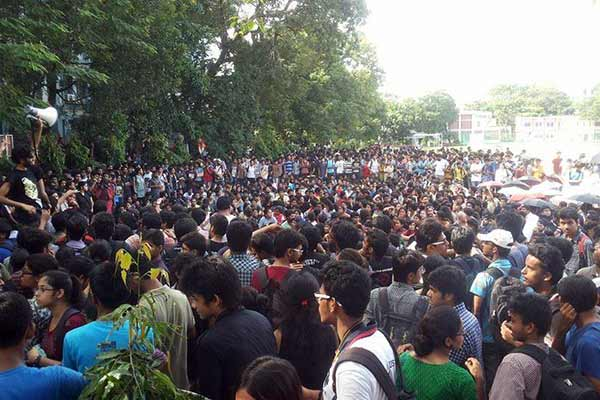 Jadavpur University VC faces BJP wrath as `fails` to identify students who shouted 'anti-India' slogans
