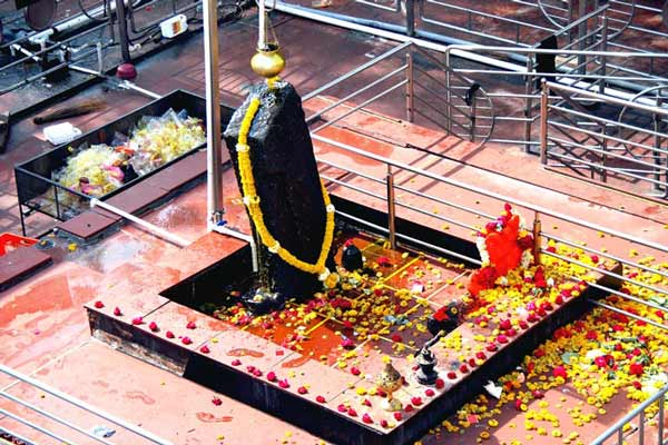 Bombay High Court: Women can't be barred from entering Shani Shingnapur temple