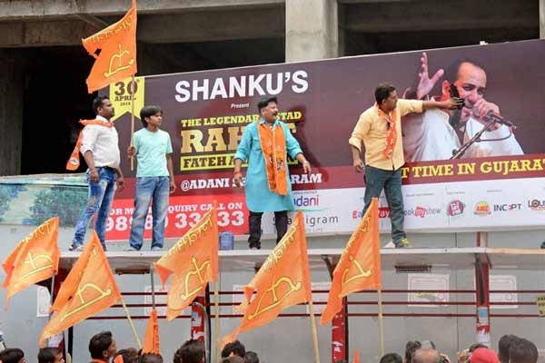 Shiv Sena protests Rahat Fateh Ali Khan's concert in Ahmedabad, several detained