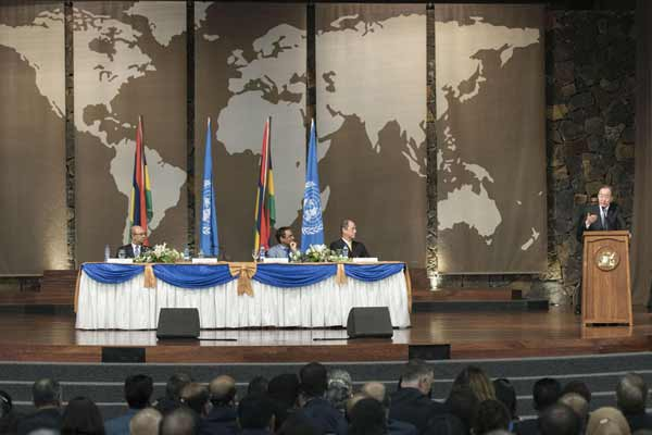 In Mauritius, Ban urges focus on small States in realizing development targets