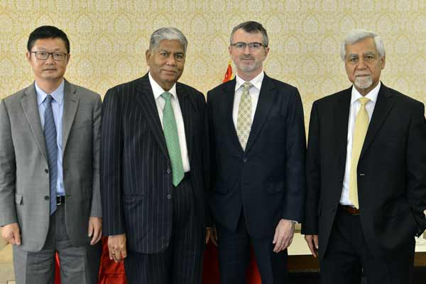 'India setting tone for world growth'