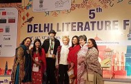 """Dr. Blossom Kochhar presented her New Book """"Aromatherapy – A Way Of Life"""" at the Delhi Literature Festival"""