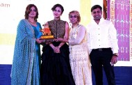 RICHA AGGARWAL, CLEOPATRA BEAUTY WELLNESS & MAKEOVERS WIN RAVISHING WEDDING AWARD FOR BEING BEST IN BRIDAL MAKEOVERS