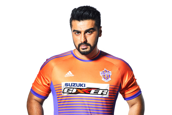 Suzuki Gixxer rides-in 'ahead of the pack' as the lead sponsor of FC Pune City in Indian Super League