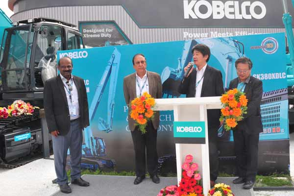KOBELCO & CATERPILLAR Launches Advanced Excavators to HELP BUILD A BETTER INDIA in EXCON Exhibition 2017