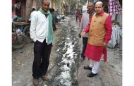 Jolly in Sangam Vihar Finds  Dirty Gutters & Lack of Drinking Water