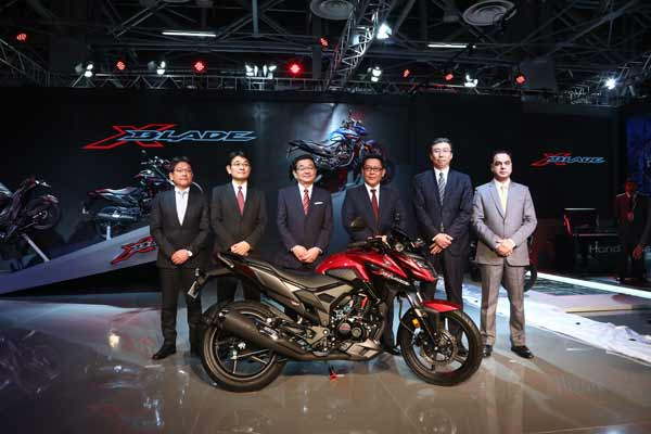 "Honda's NEW 160cc motorcycle ""X-Blade"" is loaded with several industry-first features"