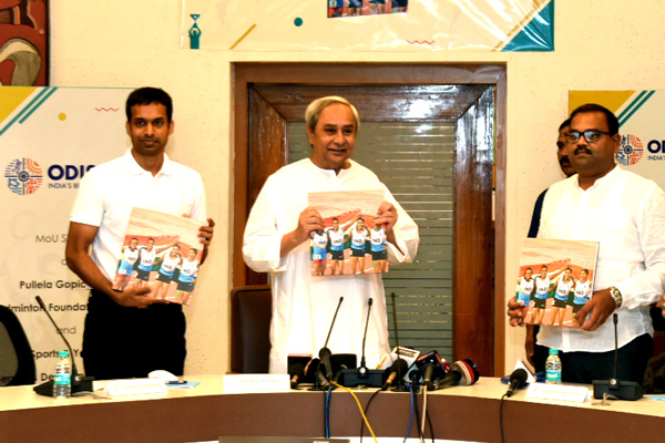 Naveen Patnaik Launches the AAC 2017 memoirs: AAC Coffee Table Book & Documentary