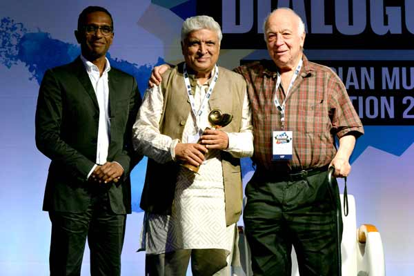 """Javed Akhtar is Indian Music Industry's """"Person of the Year"""""""