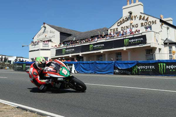 TT Stars Derek McGee and Davey Todd join Mistral Racing for 2018 Classic TT Races