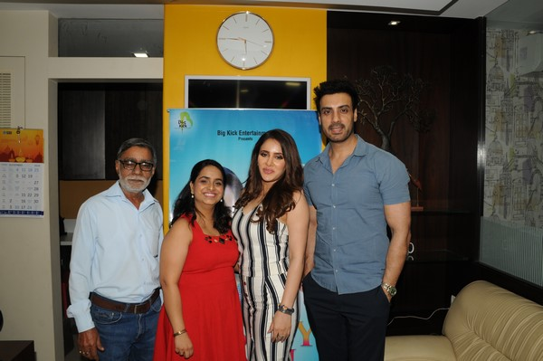 Film Producer & one of the best creative professionals in the Entertainment Industry Sahibpreet Kaur undertakes a very different social initiative through her acclaimed Short Film RASTEY HAIN